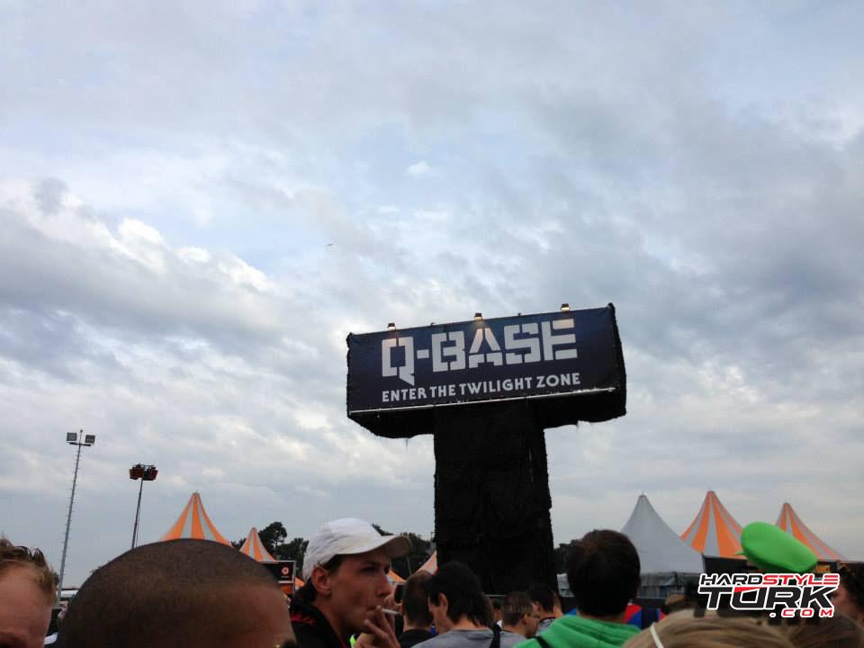 q-base-4